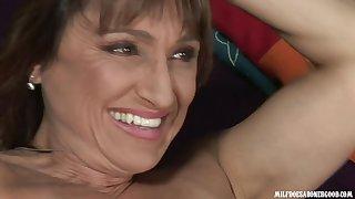 Randy MILF Jillian Foxxx in steadfast interracial video
