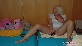 OmaHoteL Milfs with an increment of Granny Pictures Compilation