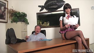 Lustful college chick gets all kinds be advisable for dirt on her superannuated professor