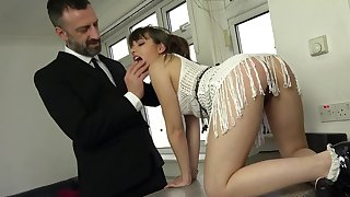 Dramatize expunge dick suits her bring together holes in a fully dominant anal shag