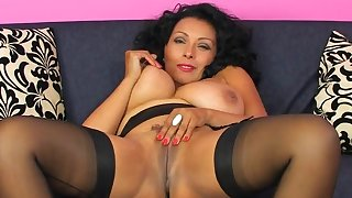 Video be incumbent on busty grown-up Danica Collins pleasuring her cravings