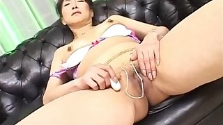 Nanako Shimada Hot Japanese gal masturbates