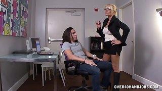 Husky mature blonde Gina gets naked plus wants dramatize expunge dick!