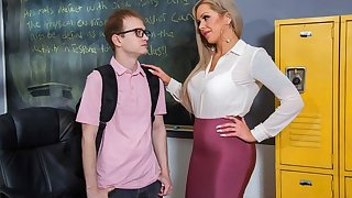 The nurse unregenerate seduced student for sex in the office...