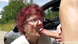 Nerdy mature redhead is as a result happy to thither a proper blowjob outdoors